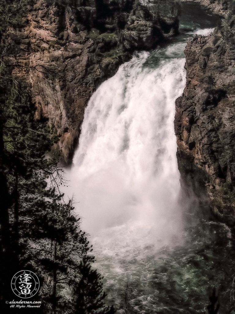 Upper Falls of Yellowstone River and Brink of Upper Falls viewing area.