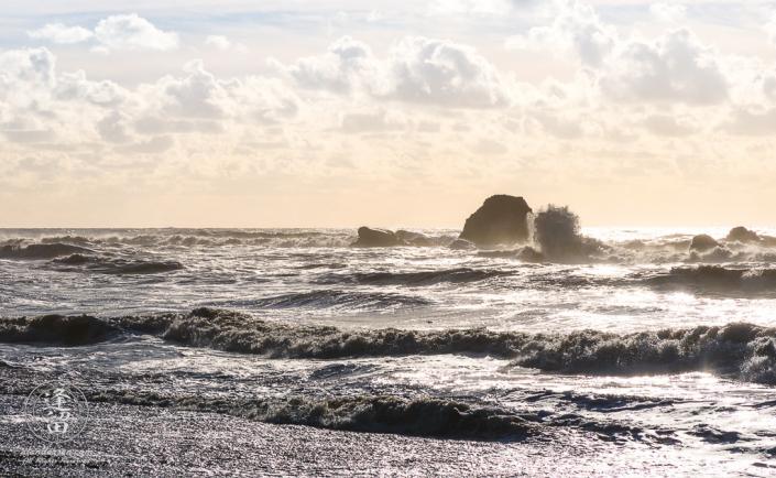Waves crashing against the rocks on Ruby Beach at Washington's Olympic Peninsula.